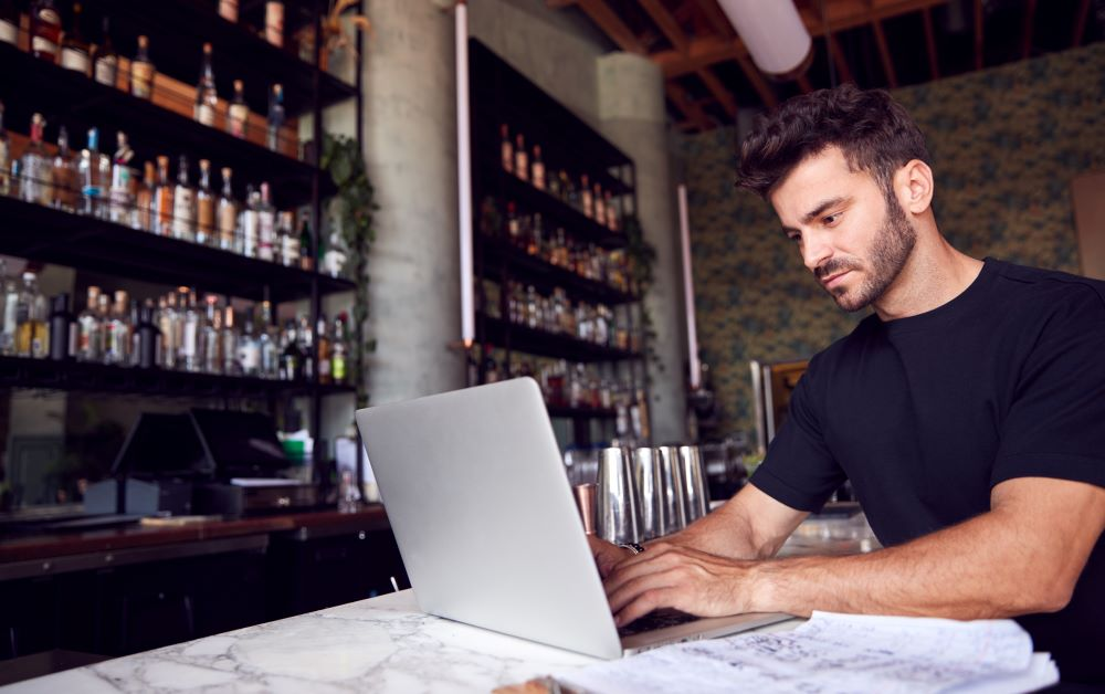 Finish Strong in 2021: Restaurant Industry Trends to Watch